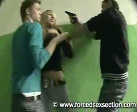 На работе насилуют девушек анна володина